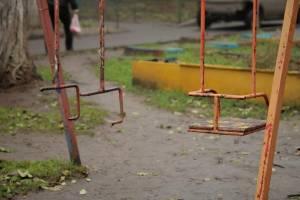 Детские площадки в Клетне признали опасными
