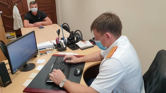 Сообщником подделывавших сертификаты брянских медиков оказался работник Стальзавода