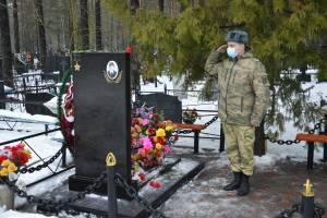 В Брянске росгвардейцы почтили память Героя России Олега Визнюка