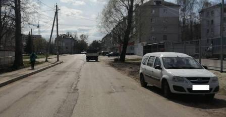 В Брянске 5-летний ребёнок от бабушки и кинулся под легковушку