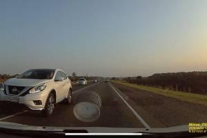 Под Брянском сняли на видео лихача на Nissan