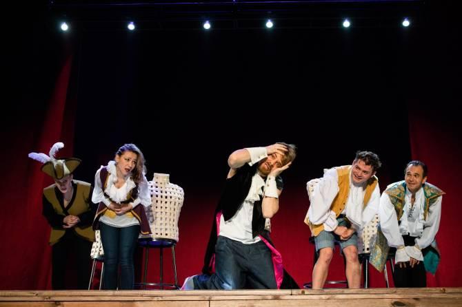Спектакли Брянского драмтеатра: на что сходить до конца недели?