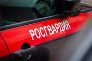 В Брянске мужчина напал на прохожего и отобрал телефон