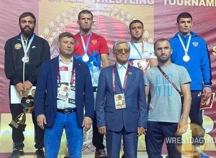 Брянские борцы вернулись из Минска с двумя бронзовыми медалями