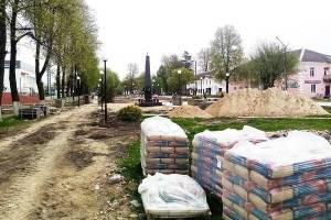 В Жуковке возобновилась реконструкция сквера Памяти и Славы