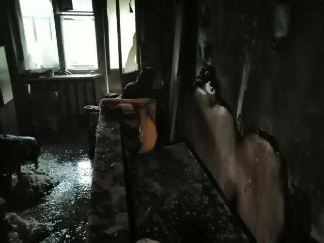 В Брянске загорелась квартира в многоэтажке на Орловской