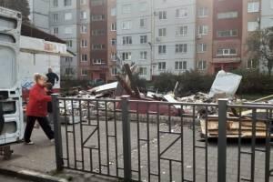 «Как после бомбежки»: брянцы шокированы развалинами ларьков