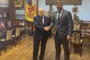 Прославленный брянец Виталий Минаков пошёл в большую политику