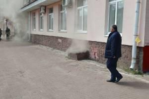 На тушение пожара к детской поликлинике прибыл глава Советского района Брянска