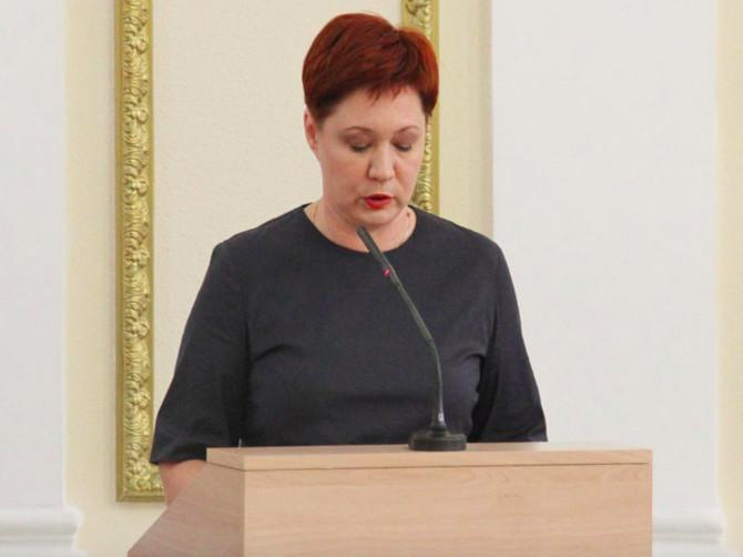 Брянская чиновница Егорова запретила студентам бороться с треногами