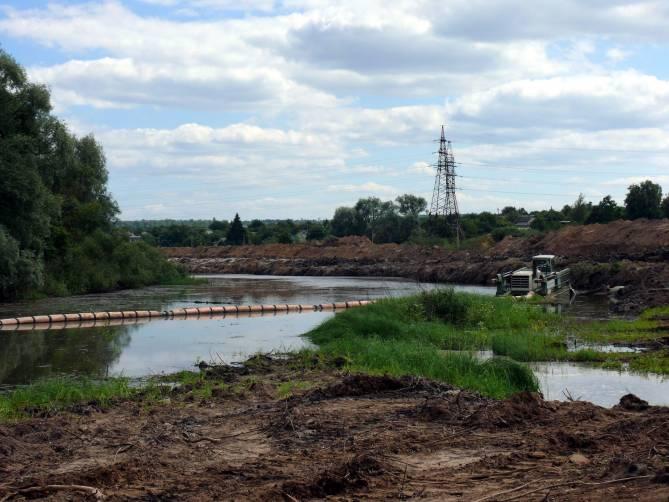 На дальнейшую расчистку Десны в Брянске выделят полмиллиарда рублей