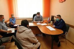 Зампрокурора области и начальнику УФСИН пожаловались пять брянцев