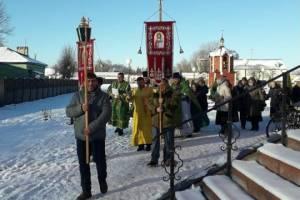 В Суземке Александро-Невский храм отметил престольный праздник крестным ходом