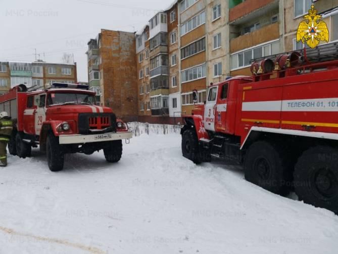 В Брянске при пожаре в подвале пострадал человек