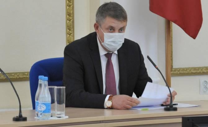 Брянский губернатор потребовал усилить контроль за ношением масок