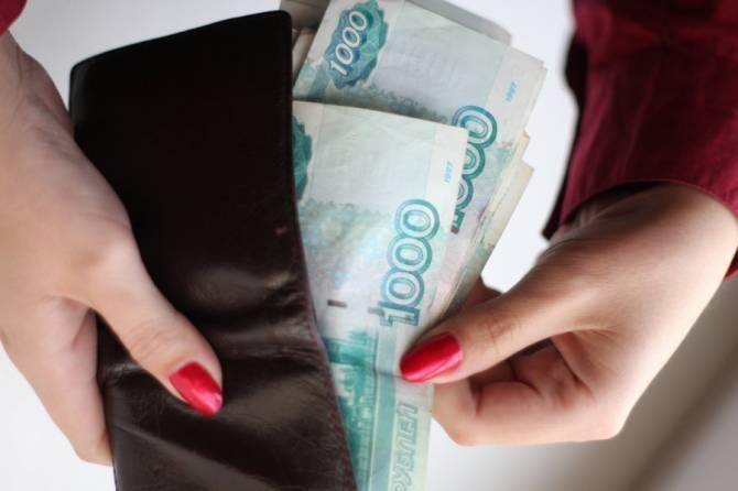 В Брянске у сотрудницы кафе украла сумку потенциальная коллега