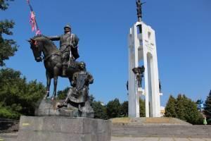 Брянцев пригласили на пешеходную экскурсию на Покровскую гору