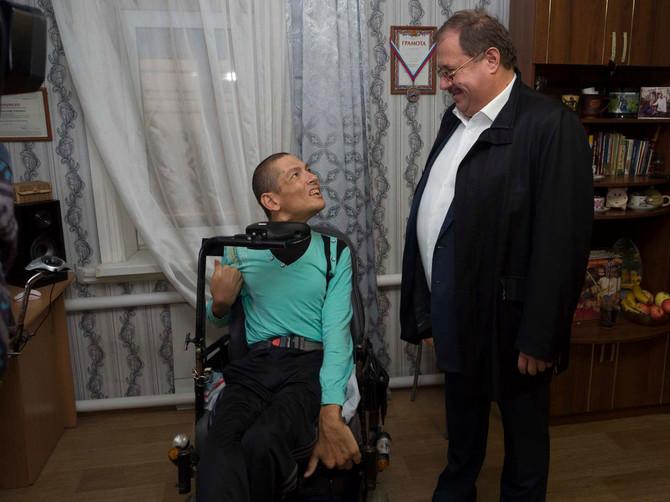 Борис Пайкин поможет инвалиду из Новозыбкова рассчитаться за дом