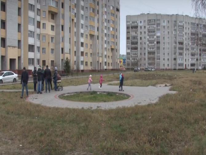 В Фокинском районе Брянска забыли обустроить сквер имени 120-летия района