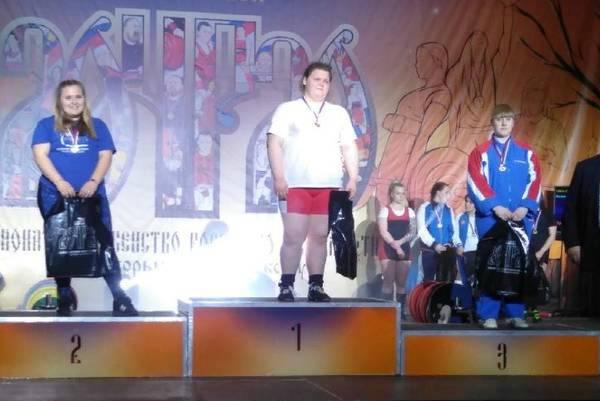 Брянские пауэрлифтерши выиграли две медали на Первенстве России