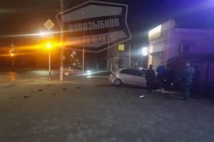 Ночью в Новозыбкове разбились две легковушки
