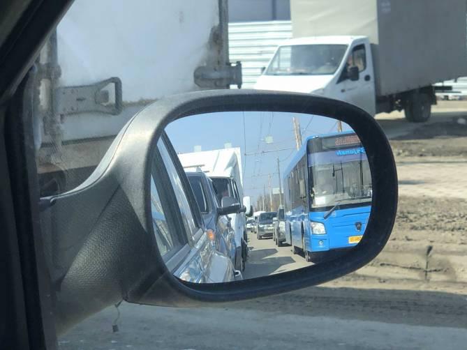 Брянские дорожники на 2 дня погрузили в пробку проспект Станке Димитрова