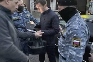 Опубликовано видео силового задержания брянского депутата Павлова