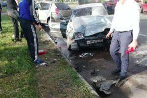 В страшном ДТП на Литейной в Брянске ранены три человека