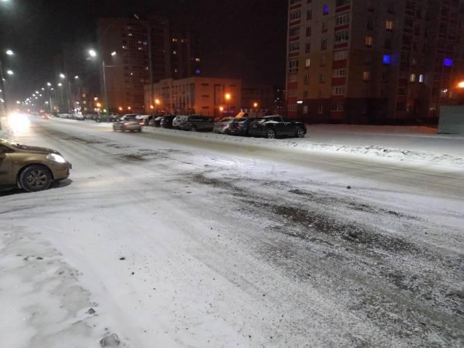 Вечером на Брянск обрушился снегопад