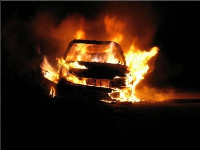 В Брянске утром загорелась легковушка в Фокинском районе