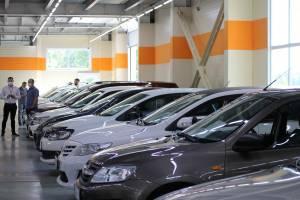 В Брянске в пандемию коронавируса возник дефицит легковых автомобилей