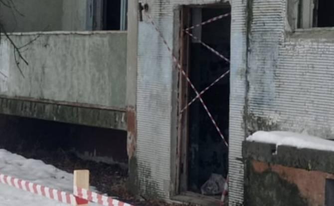 Намотали сопли: в брянском селе Салтановка огородили лентой опасный дом