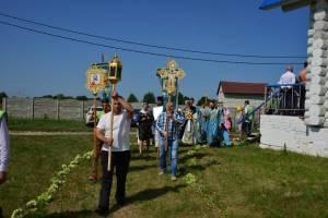 В брянском поселке Малое Полпино престольное торжество храма отметили крестным ходом