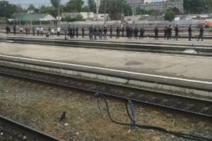 Из-за болельщиков «Спартака» полиция оцепила железнодорожный вокзал Брянск-I