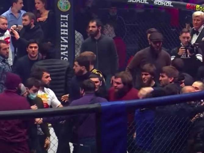 Брянский боец Минаков осудил зачинщика массовой драки на Fight Night Global