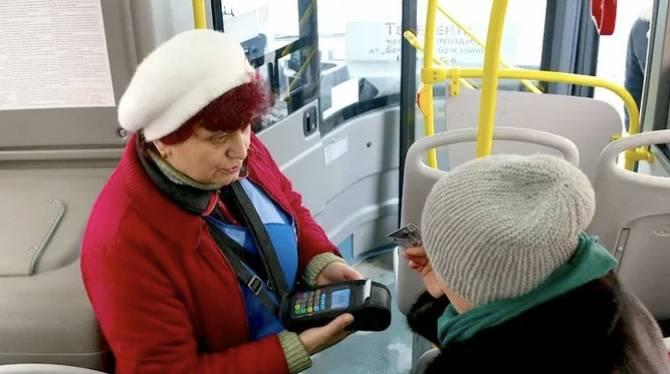Брянск избежал двойных списаний с карт за проезд в транспорте