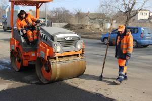 Брянских дорожников призвали перестать заделывать дырки из ведра