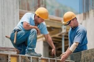 Брянские власти поздравили строителей с праздником