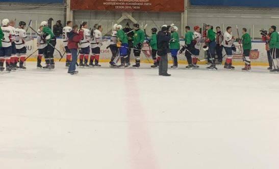 В Брянске прошел благотворительный хоккейный матч