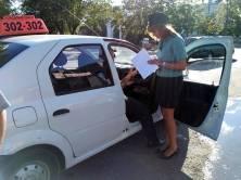 Брянская служба такси оплатила 117 штрафов после ареста автомобиля