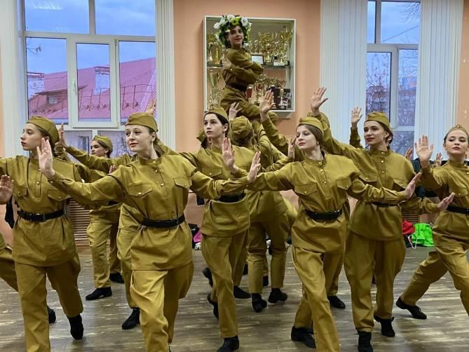 Гран-при на международном конкурсе завоевал брянский ансамбль «Каприз»