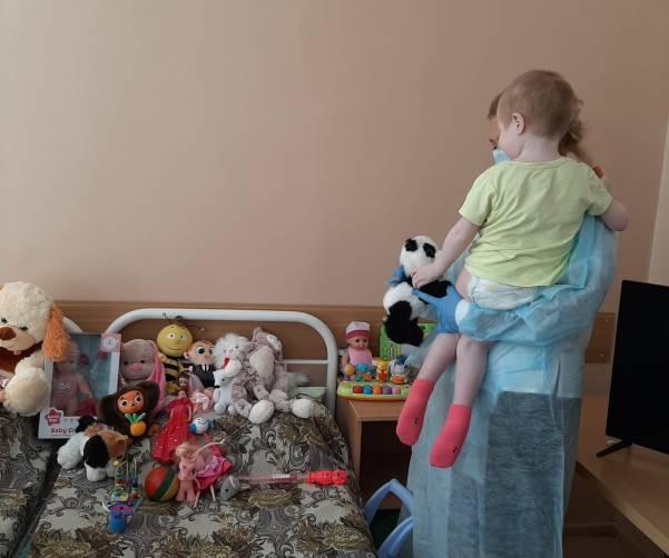 Истощённая 7-летняя брянская девочка готовится к реабилитации