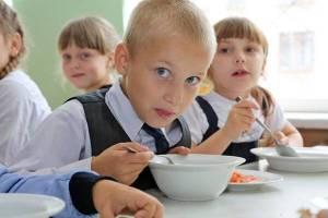 Климовских школьников едва не накормили «просрочкой»