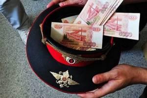 В Клинцах сотрудник ГИБДД погорел на взятке от военнослужащего