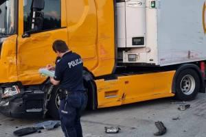 Пьяный дальнобойщик из Брянска разбил 6 фур на стоянке в Польше