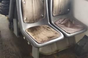Пассажиров брянского троллейбуса №2 залило водой