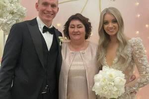В сети опубликовали фото со свадьбы брянского лыжника Большунова