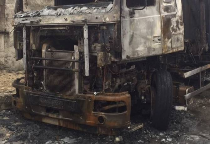 В Бежицком районе Брянска сожгли грузовик МАЗ
