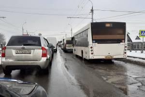 В Брянске встал в пробке проспект Московский