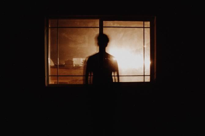 Жителей  Дятьково напугал заглядывающий ночью в окна незнакомец